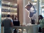 В Ялте проходит первая крымская выставка для винной отрасли.. Культура/искусство, Питание